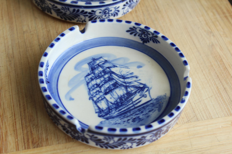 Set of 2 - Royal Delft - Ashtray - Sailboat Schooner - Blue \u0026 White - & Set of 2 - Royal Delft - Ashtray - Sailboat Schooner - Blue \u0026 White ...